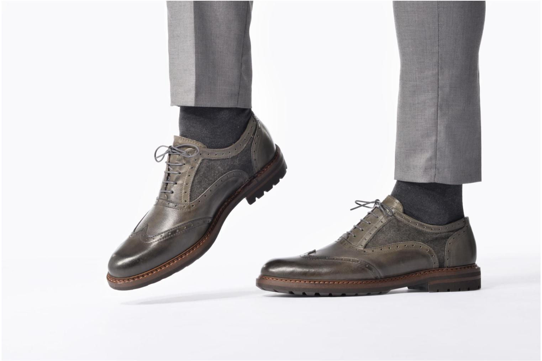 Chaussures à lacets Mr SARENZA Nelaton Marron vue bas / vue portée sac