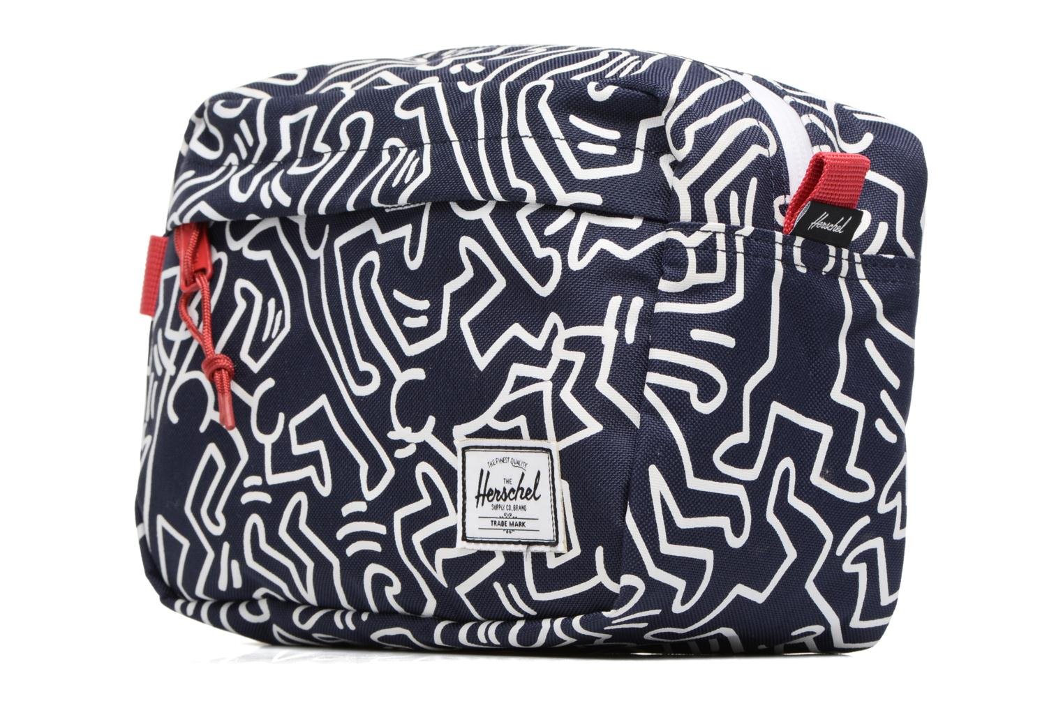 Bagages Herschel Chapter Keith Haring Bleu vue portées chaussures