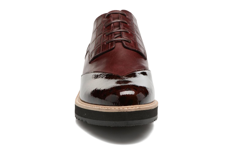 Chaussures à lacets HE Spring Lutin Bordeaux vue portées chaussures