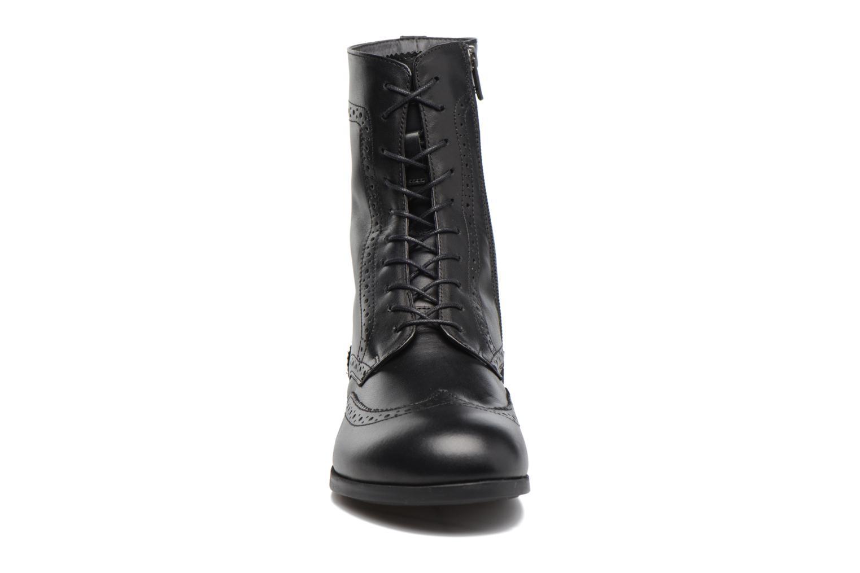 Bottines et boots Birkenstock Laramie Noir vue portées chaussures