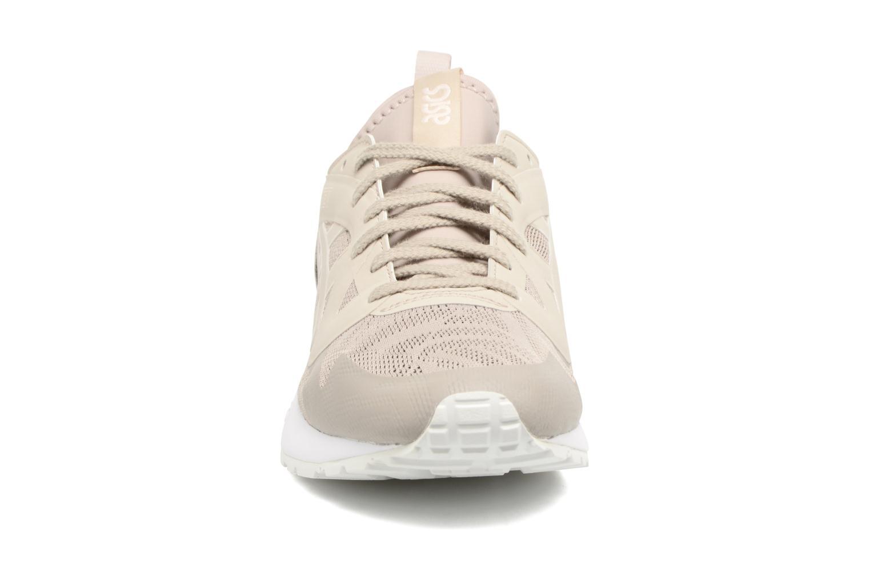 Baskets Asics Gel-Lyte V Ns W Beige vue portées chaussures