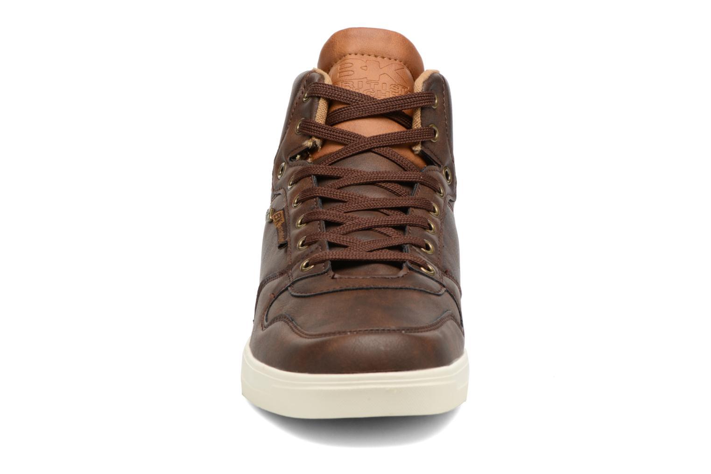 Baskets British Knights Ranger Marron vue portées chaussures