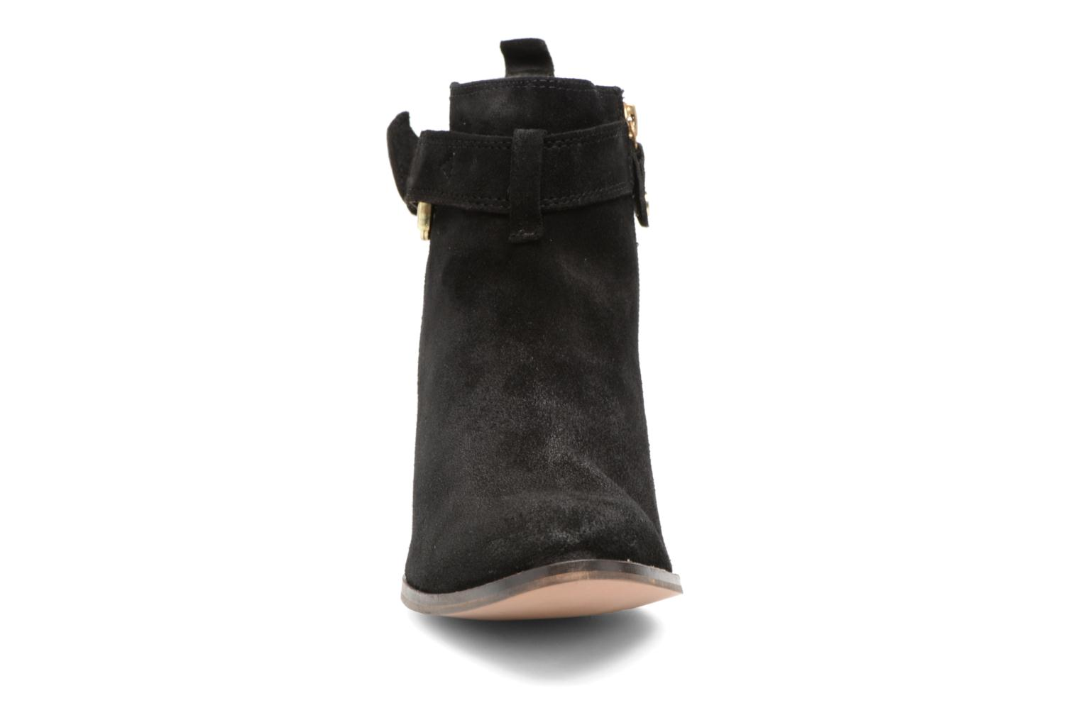 Ankle boots Gioseppo Dothan Black model view