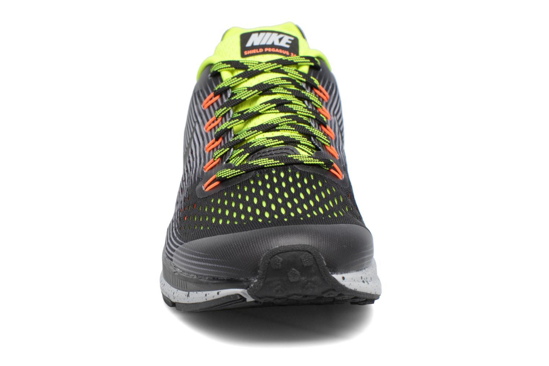 Chaussures de sport Nike Zoom Pegasus 34 Shield (Gs) Noir vue portées chaussures
