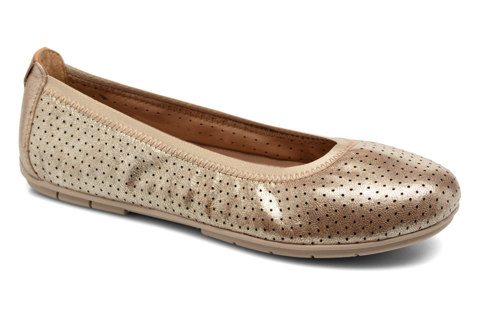Ballet pumps Clarks Un Tract Bronze and Gold detailed view/ Pair view