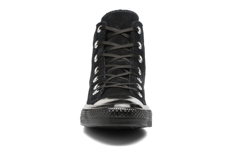 Baskets Converse Chuck Taylor All Star Mono Plush Suede Hi Noir vue portées chaussures