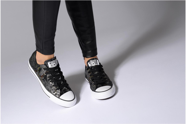 Baskets Converse Chuck Taylor All Star Fashion Snake Ox Noir vue bas / vue portée sac