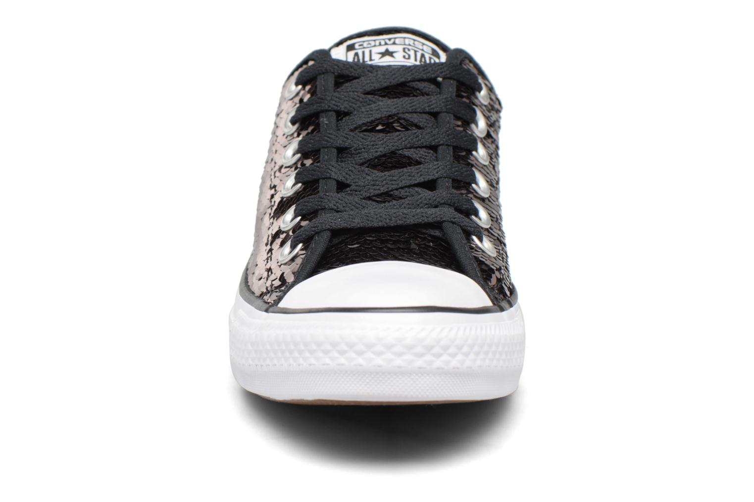 Baskets Converse Chuck Taylor All Star Sequins Ox Marron vue portées chaussures