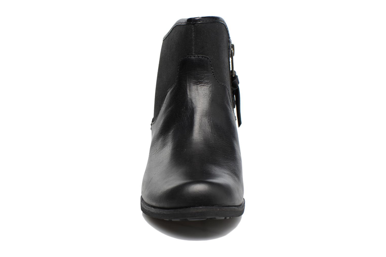 Bottines et boots UGG Penelope Noir vue portées chaussures