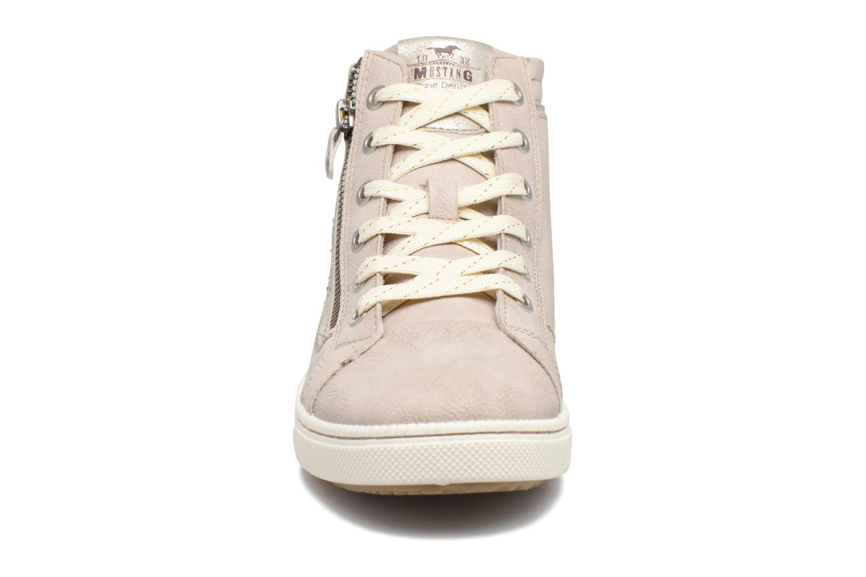 Baskets Mustang shoes Lira Beige vue portées chaussures