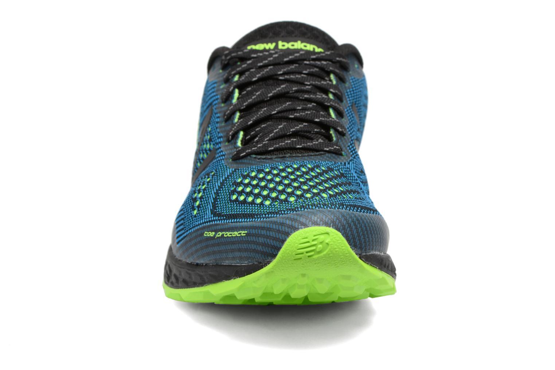 Chaussures de sport New Balance MTGOBI Bleu vue portées chaussures