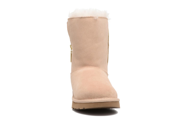 Bottes UGG Marice Beige vue portées chaussures