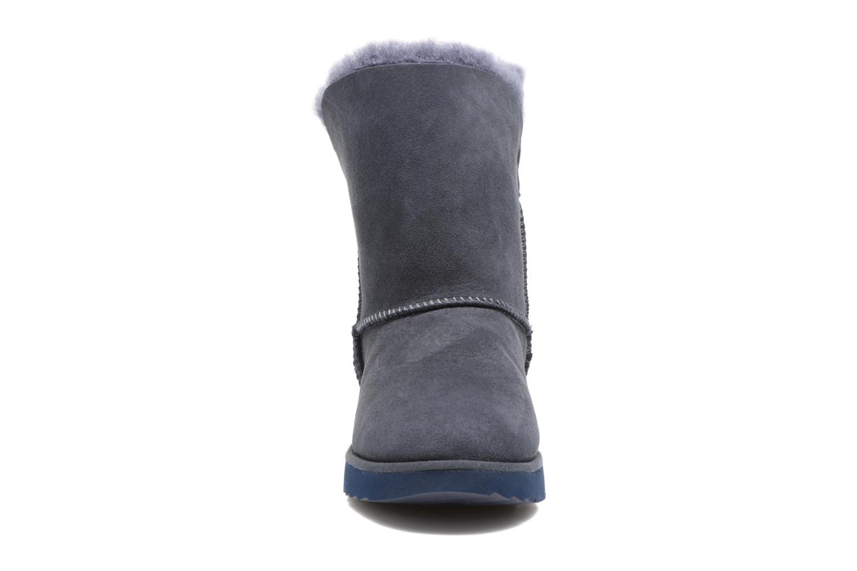 Bottes UGG Classic Cuff Short Bleu vue portées chaussures
