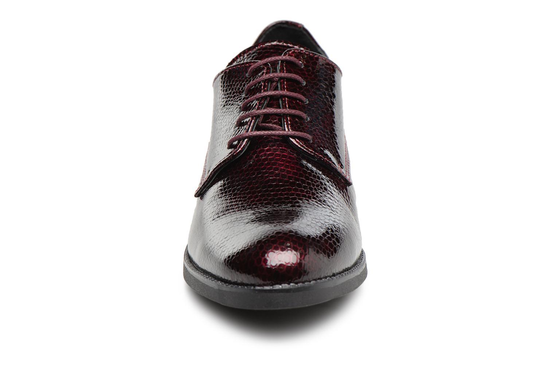 Chaussures à lacets Georgia Rose Galion Bordeaux vue portées chaussures