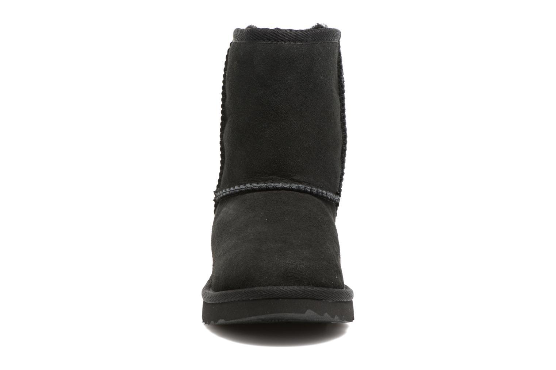 Bottes UGG Classic II Noir vue portées chaussures
