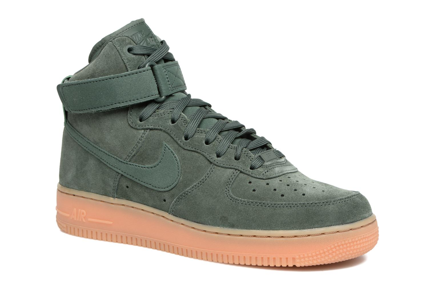 Baskets Nike Air Force 1 High '07 Lv8 Suede Vert vue détail/paire