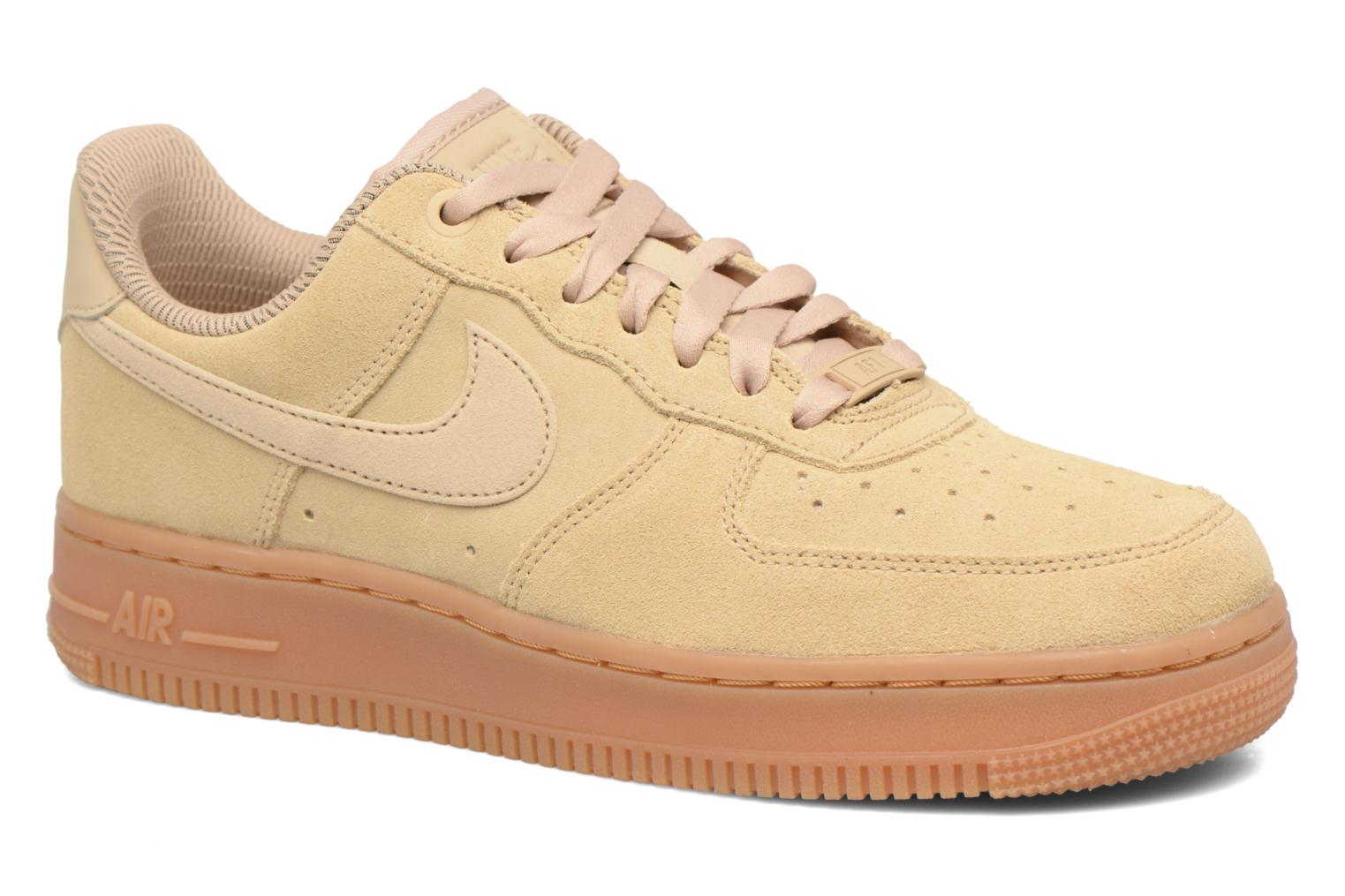 Baskets Nike Wmns Air Force 1 '07 Se Beige vue détail/paire