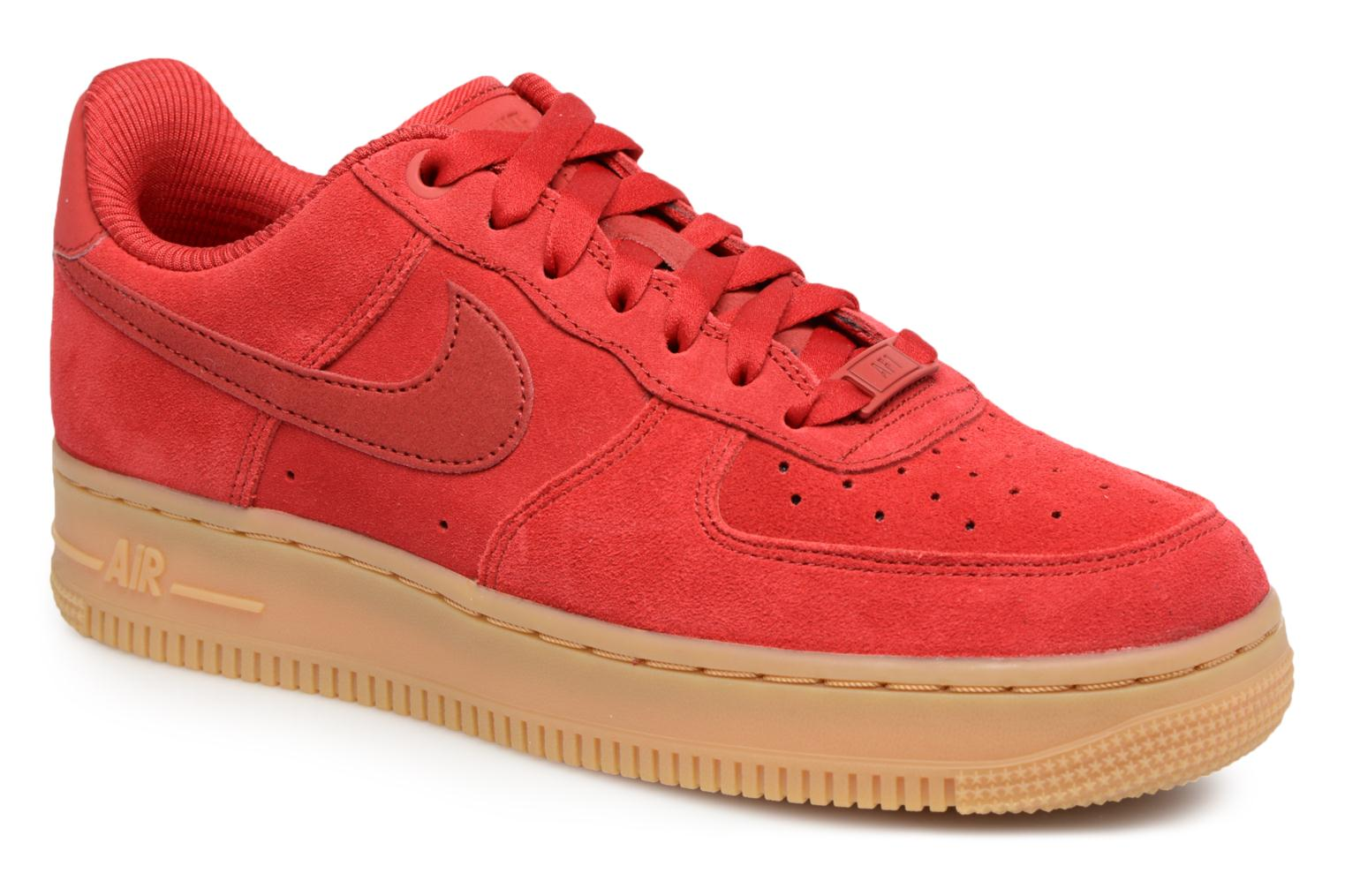 Baskets Nike Wmns Air Force 1 '07 Se Rouge vue détail/paire