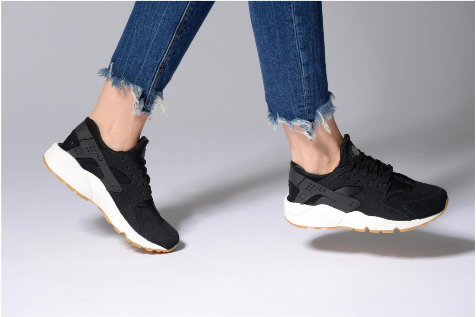 Baskets Nike Wmns Air Huarache Run Sd Noir vue bas / vue portée sac