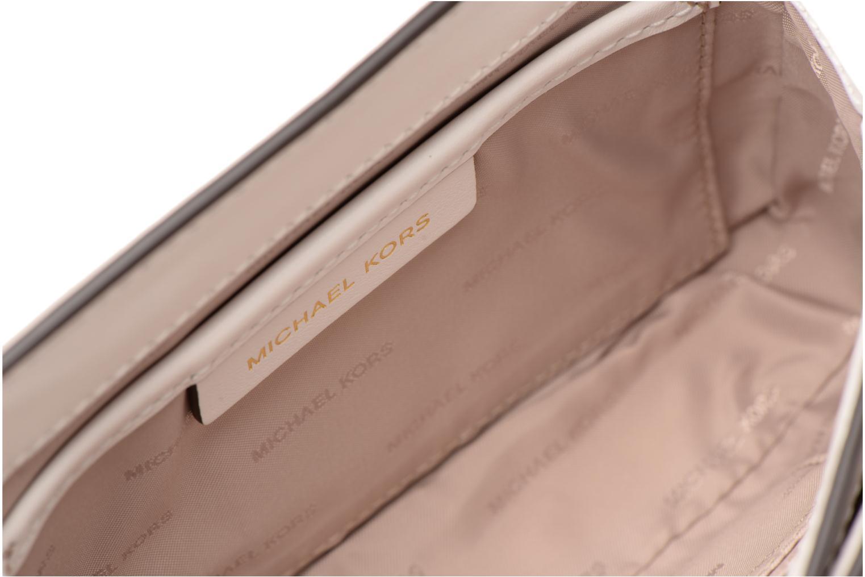 Bolsos de mano Michael Michael Kors Jade MD GUSSET CLUTCH Oro y bronce vistra trasera
