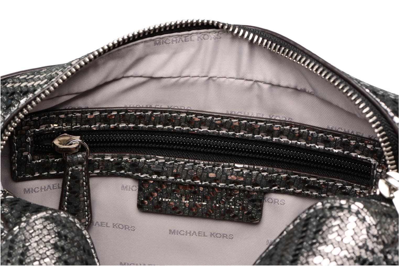Bolsos de mano Michael Michael Kors Ginny MD Camera Bag Plateado vistra trasera
