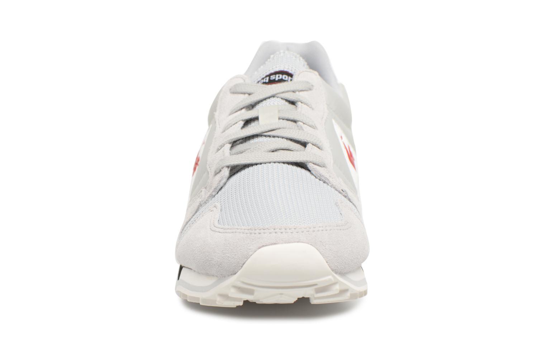 Baskets Le Coq Sportif Omega Nylon Gris vue portées chaussures