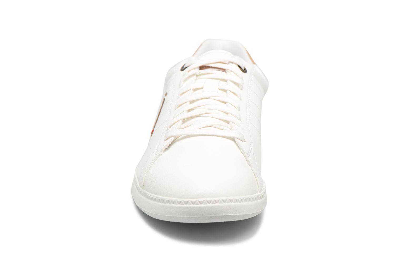 Baskets Le Coq Sportif Courtcraft Modern Craft Blanc vue portées chaussures