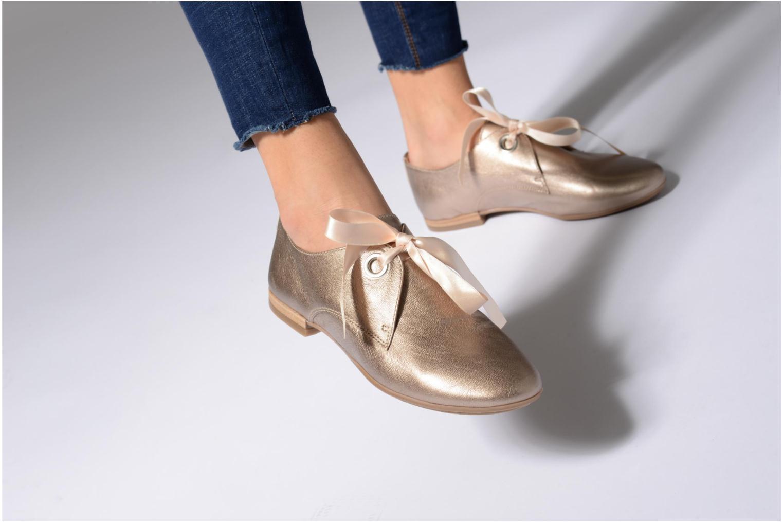 Chaussures à lacets Georgia Rose Astral Or et bronze vue bas / vue portée sac