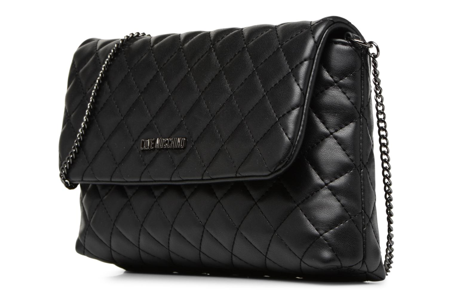 Borse Love Moschino Evening Bag Chaine Quilted Nero modello indossato