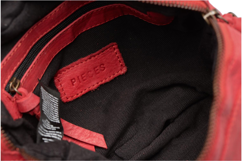 Sacs à main Pieces Izza Leather Crossbody Rouge vue derrière
