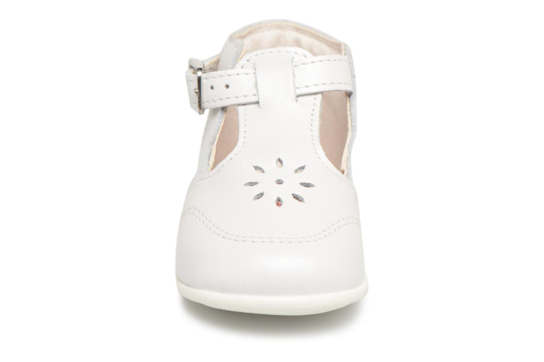 Ballerines Bopy Poum Blanc vue portées chaussures