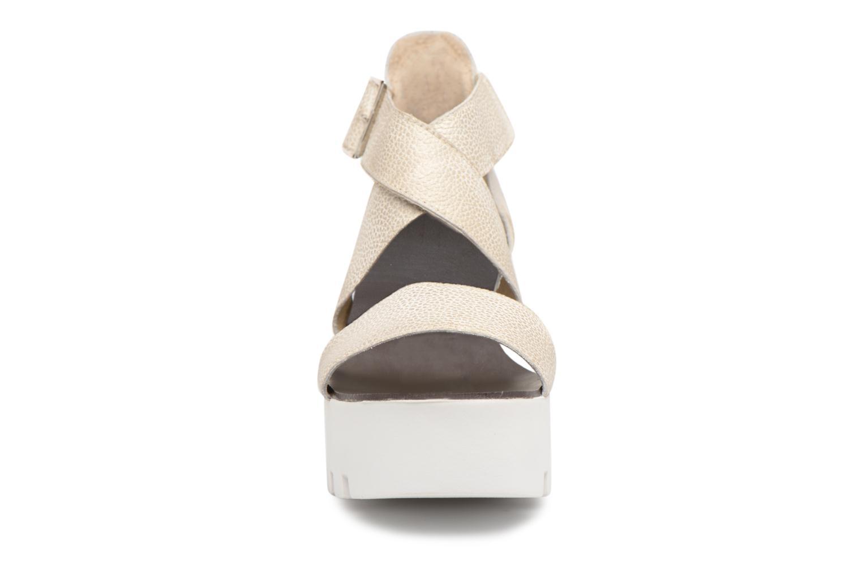 Sandales et nu-pieds Sweet Lemon SUBWAY Argent vue portées chaussures