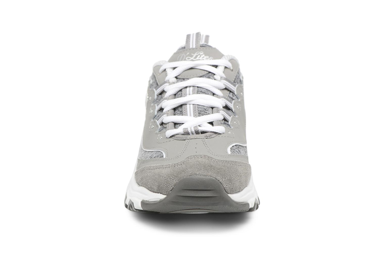 Baskets Skechers D'Lites-Me Time Gris vue portées chaussures