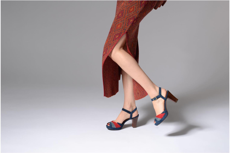 Sandales et nu-pieds Chie Mihara Edita Bleu vue bas / vue portée sac
