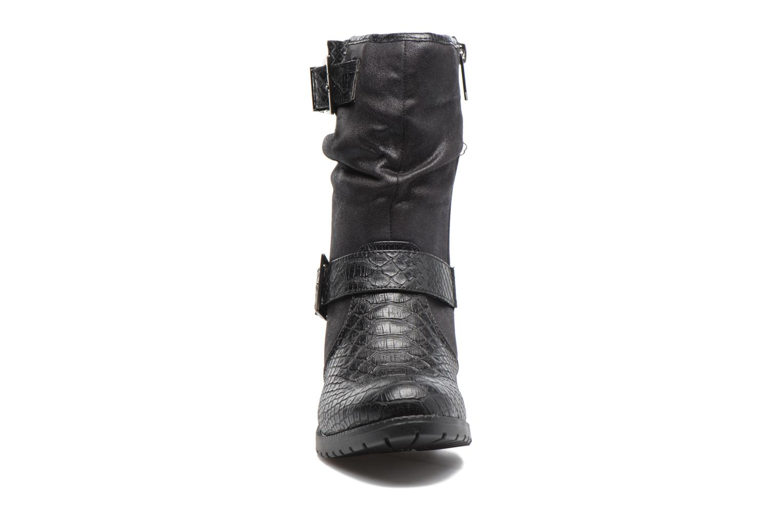 Ankle boots Les P'tites Bombes ELINA 4 Black model view