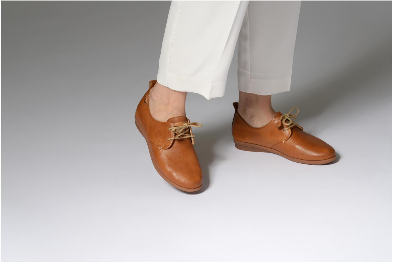 Chaussures à lacets Pikolinos CALABRIA W9K / 4623 brandy Marron vue bas / vue portée sac