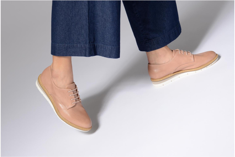Chaussures à lacets Tamaris Absinthe Beige vue bas / vue portée sac