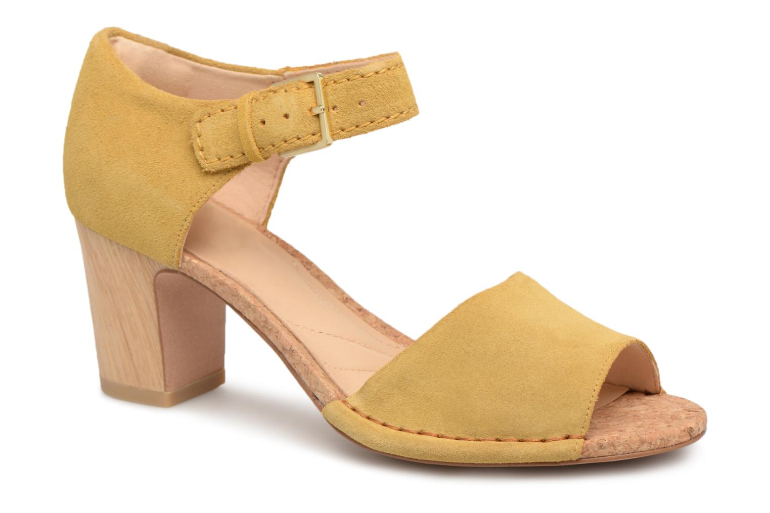 Sandals Clarks Spiced Olivia Yellow detailed view/ Pair view