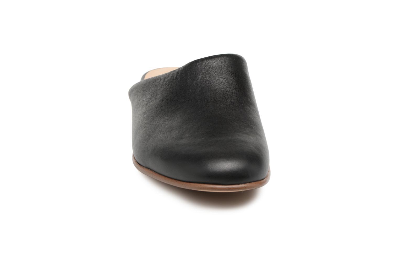 Pure Blush Black leather