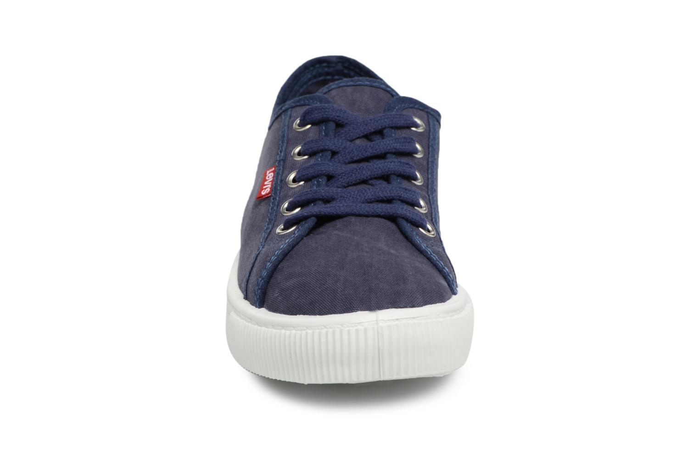 Baskets Levi's Malibu W Bleu vue portées chaussures