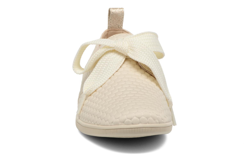 Baskets Armistice Stone One Sweet W Blanc vue portées chaussures