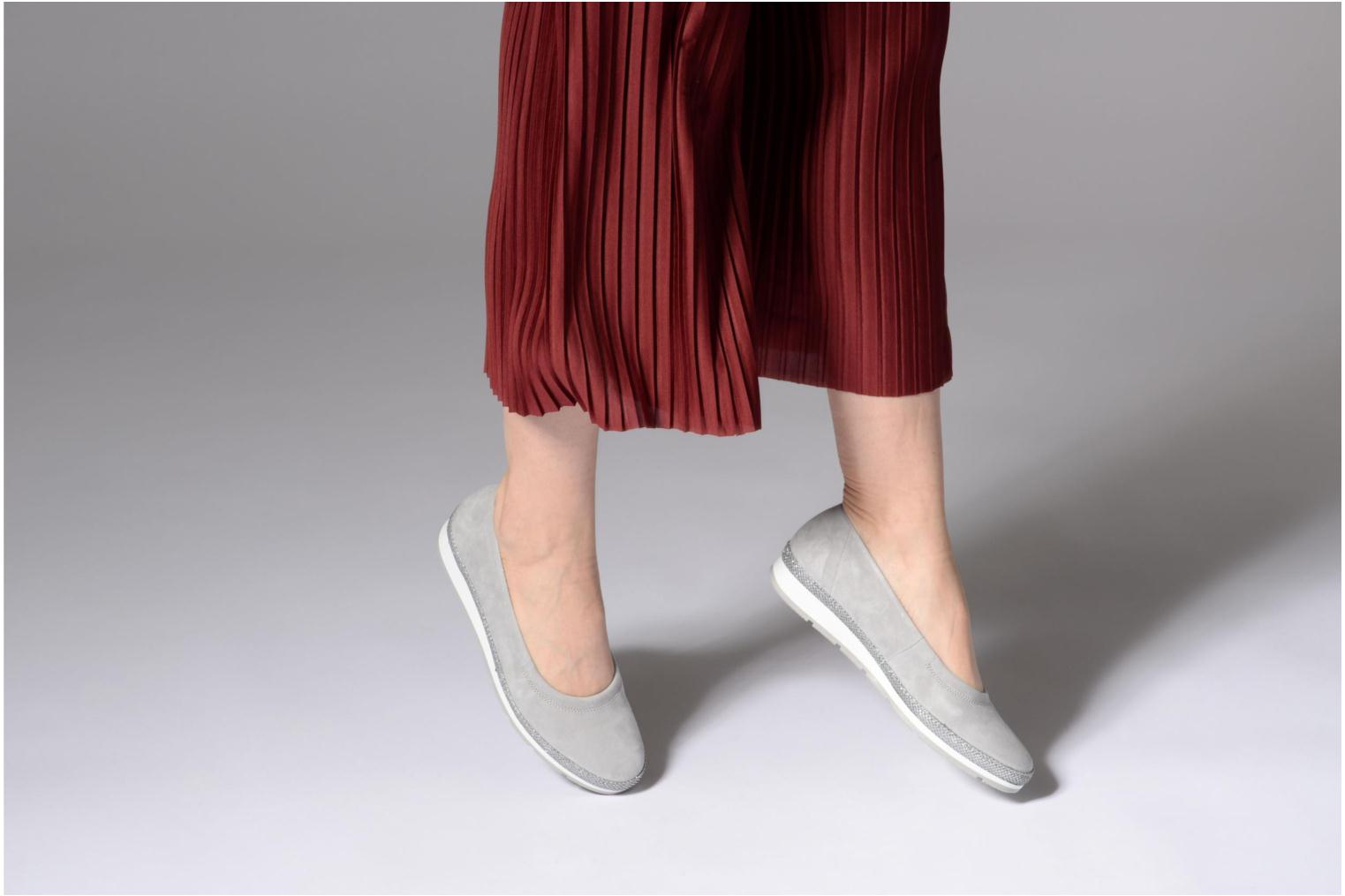 Ballet pumps Gabor Ronie Grey view from underneath / model view
