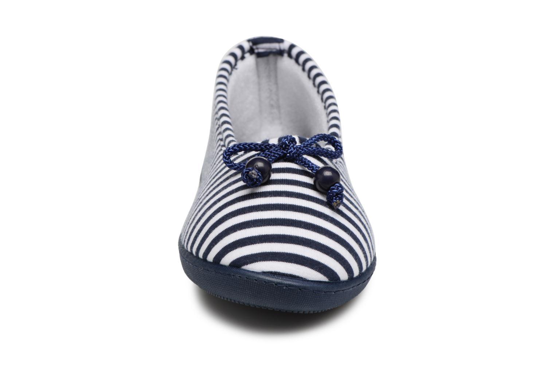 Chaussons Isotoner Ballerine semelle ergonomique Bleu vue portées chaussures