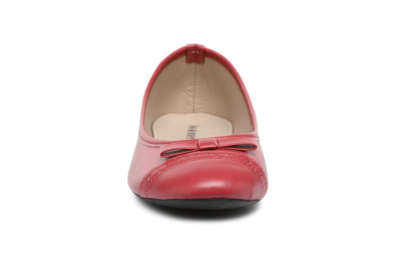 Ballerines Isotoner Ballerine ajourée Rouge vue portées chaussures