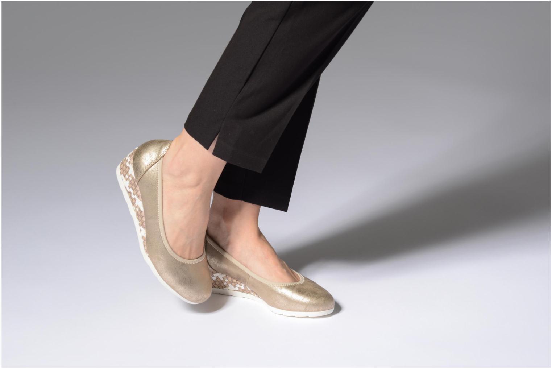 Ballerines Jana shoes Chelo Or et bronze vue bas / vue portée sac