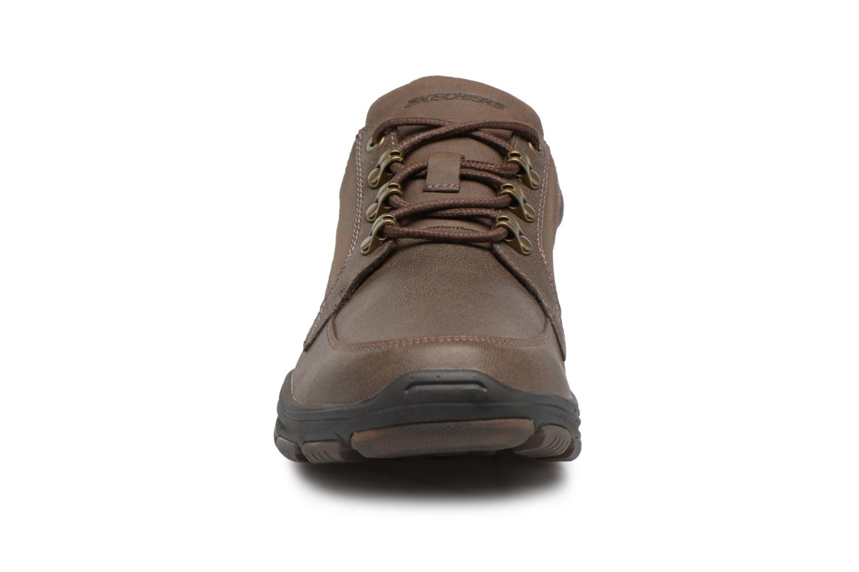 Baskets Skechers Garton-Briar Marron vue portées chaussures