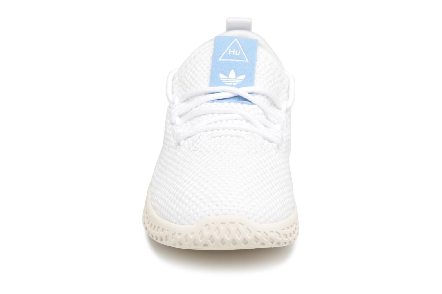 Baskets Adidas Originals Pharrell Williams Tennis Hu I Blanc vue portées chaussures