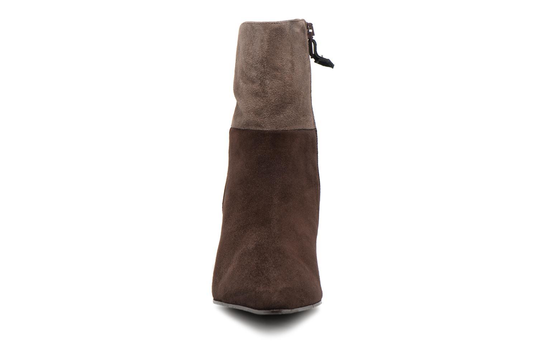 Bottines et boots Elizabeth Stuart RIMINI 300/3 Marron vue portées chaussures