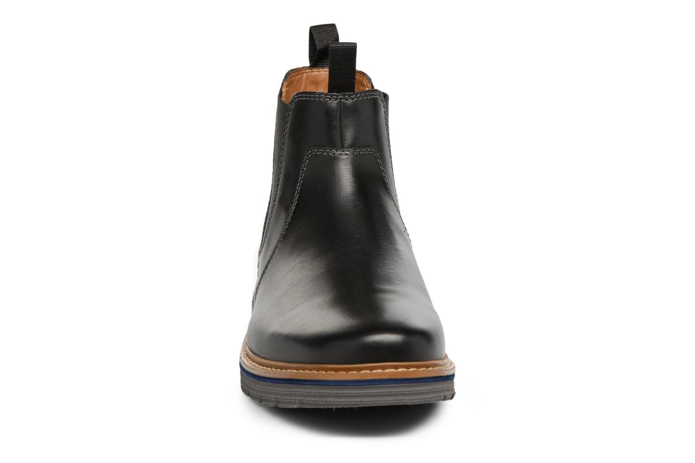Bottines et boots Clarks Newkirk Hill Noir vue portées chaussures