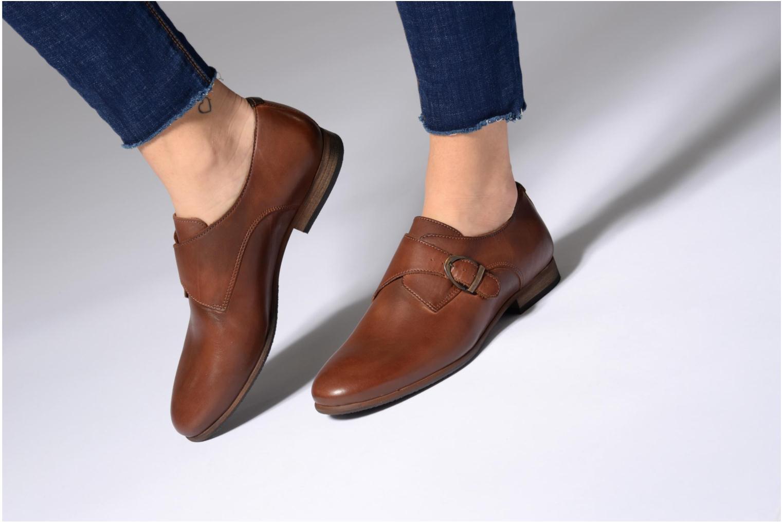 Chaussures à lacets Kickers GAMBETTA Noir vue bas / vue portée sac